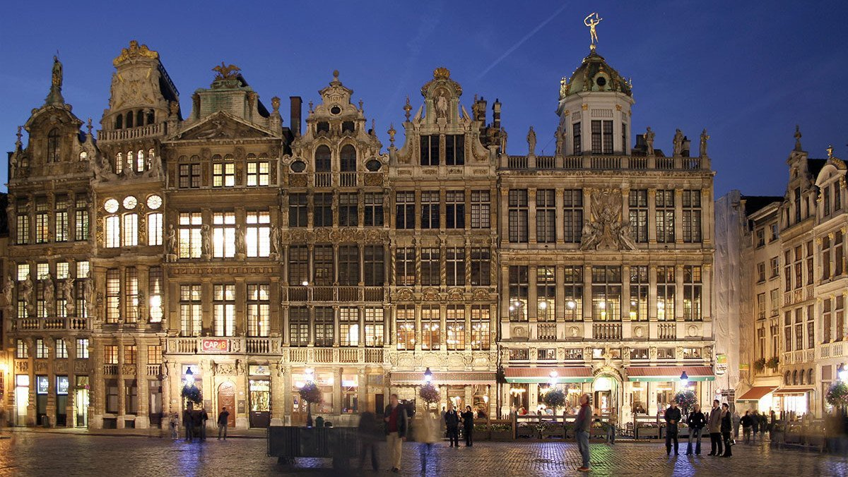 Brüssels Grote Markt bei Nacht