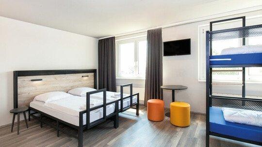 a&o HOTEL and HOSTEL Hamburg GmbH a&o Hamburg City