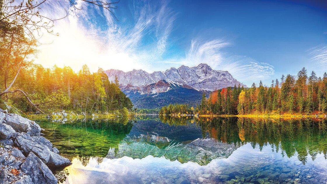 Eibsee mit der Zugspitze im Hintergrund