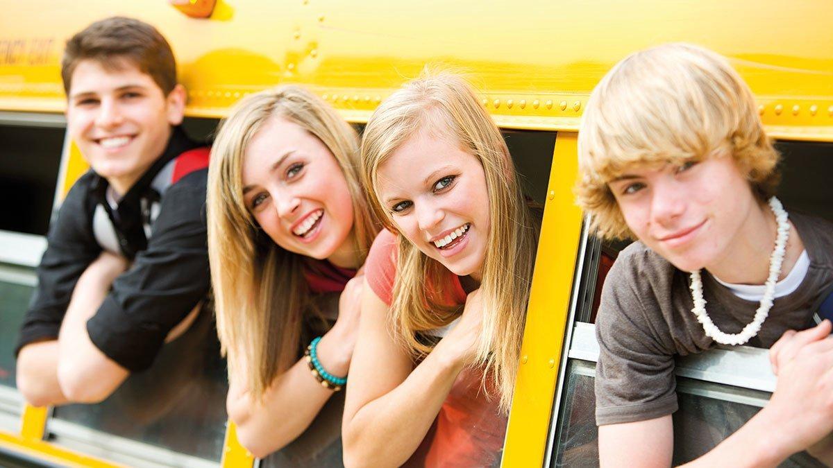 Jugendliche in einem Dortmunder Bus