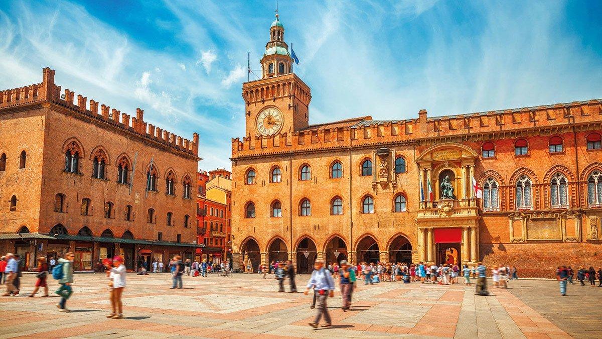 Ausblick auf den Piazza Maggiore
