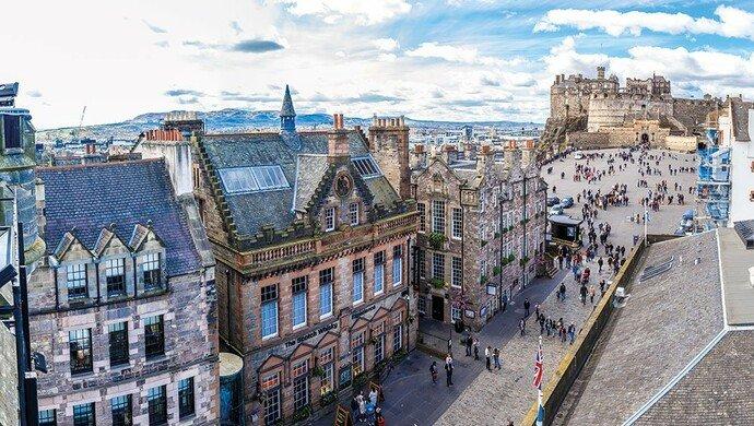 Flugreise nach Edinburgh