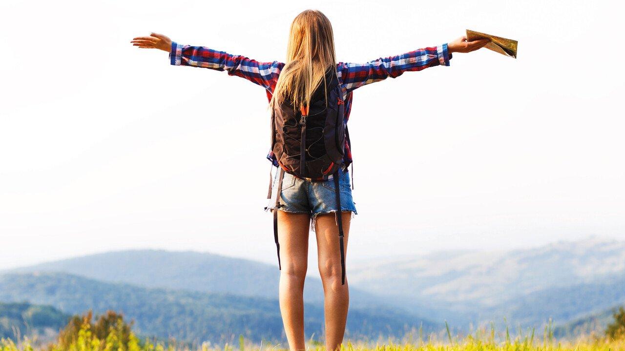 Mädchen auf Berg
