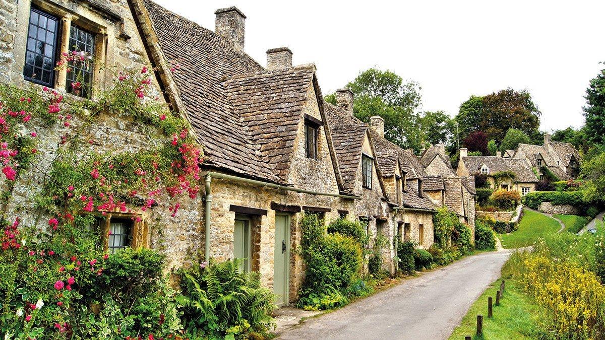 Cotswolds-schöne-Häuserreihe