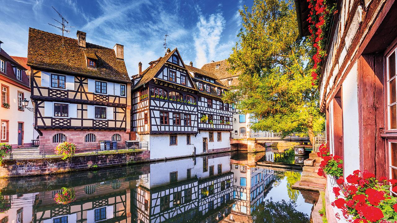 Bunte Häuser in Straßburg und Elsass