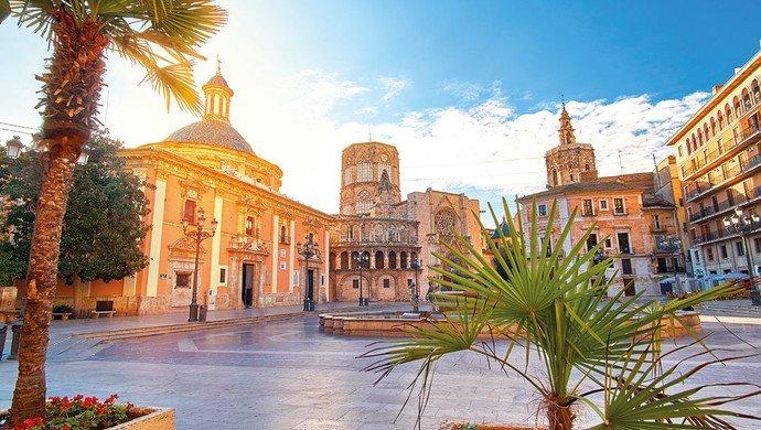 Flugreise nach Valencia