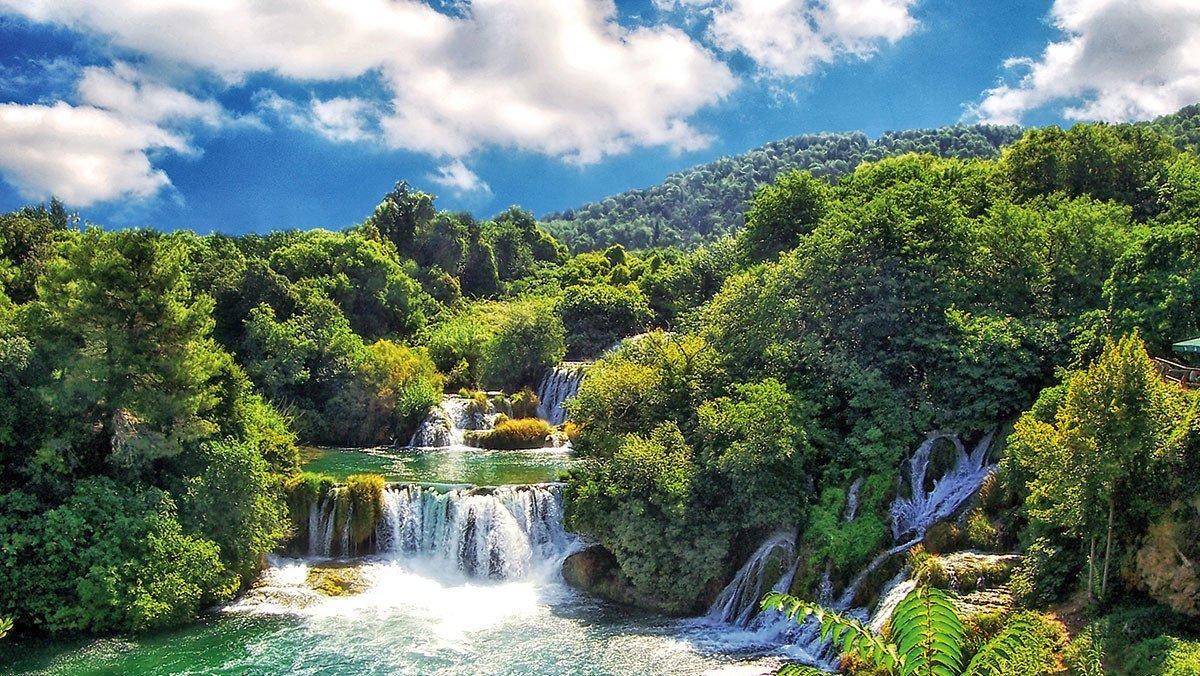 Ein Wasserfall im Nationalpark Plitvicer Seen