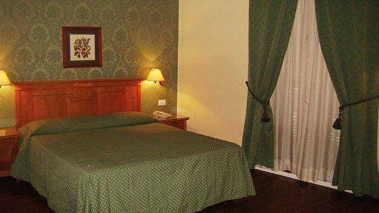 ★★★-Hotels in Neapel