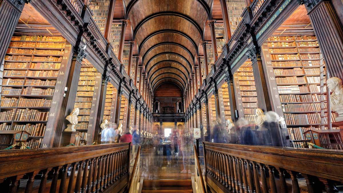 Blick in die Trinity Bibliothek