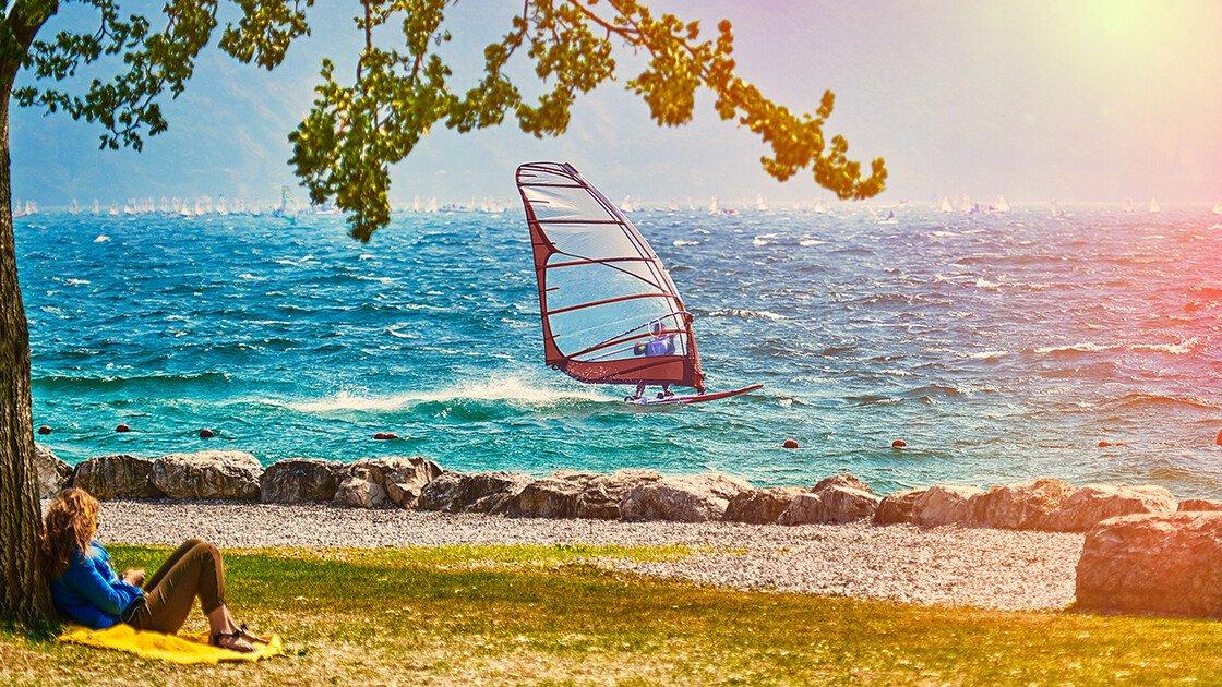 Surfer auf dem Gardasee
