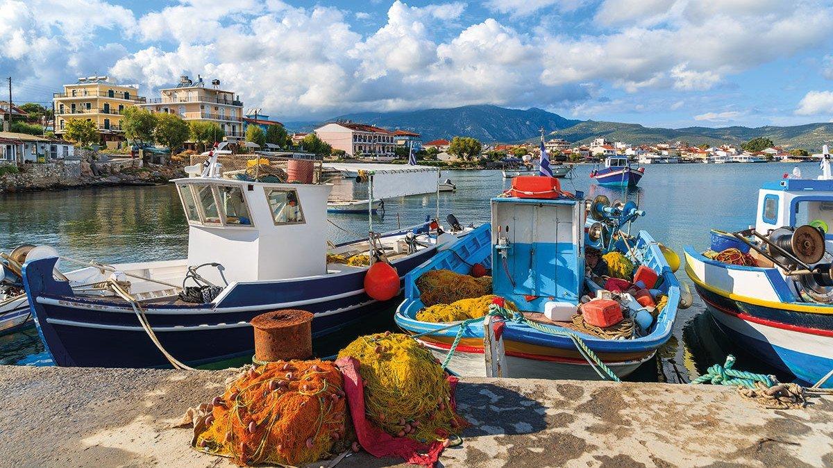 Fischerboote im Hafen von Griechenland