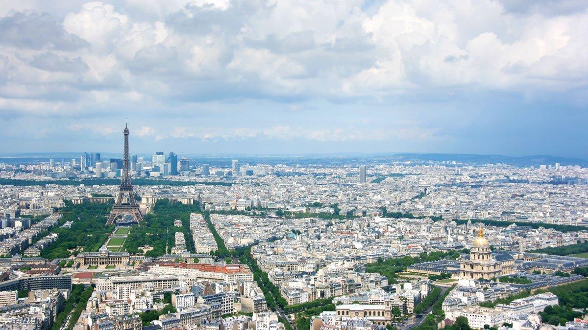 Stadtansicht Paris aus der Vogelperspektive