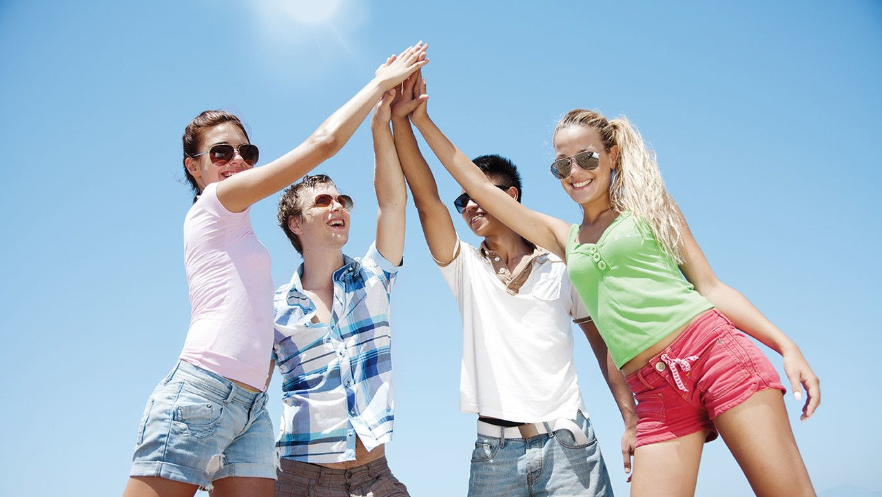 Jugendliche am Strand von Norderney