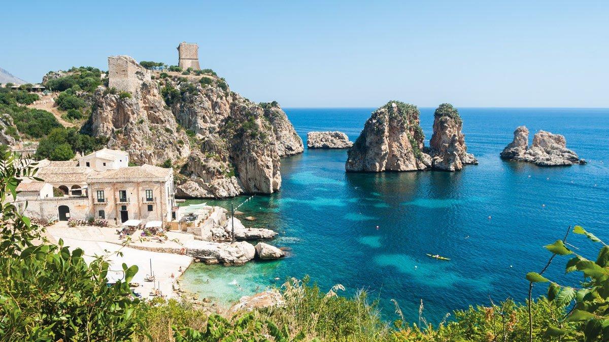 Bucht im osten Siziliens