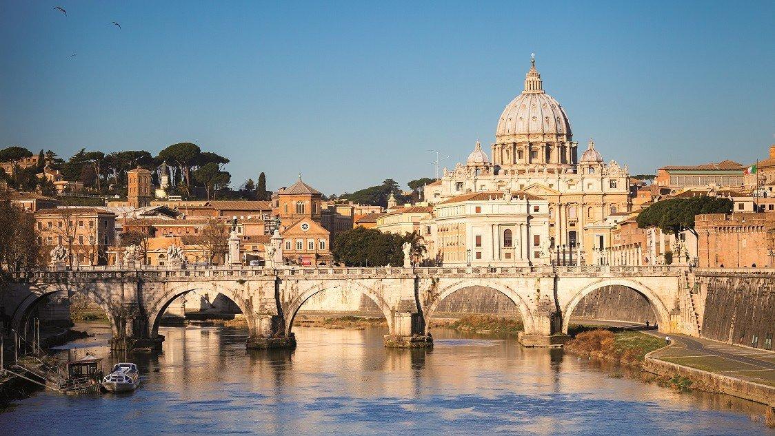 Blick auf den Tiber und den Petersdom