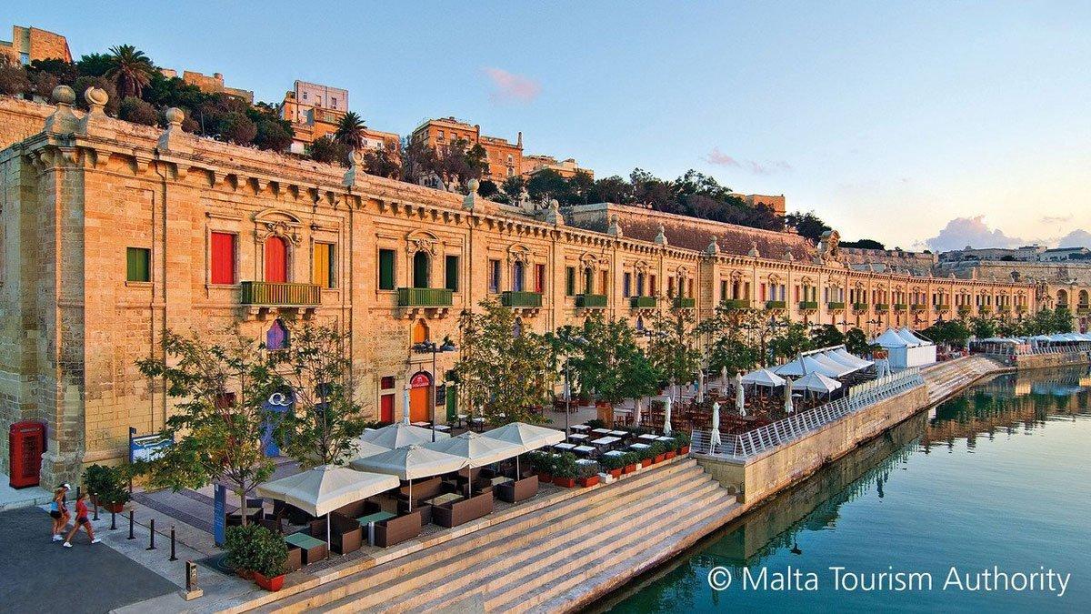Häuserfront auf Malta
