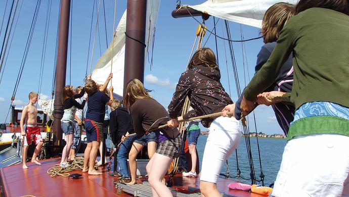 Klassenfahrt Piraten unter Segeln