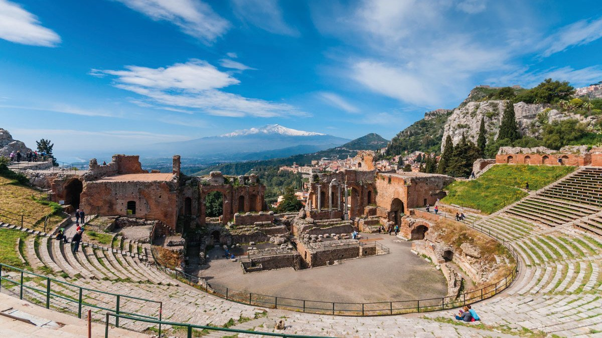 Blick in den Taormina Theater in Sizilien