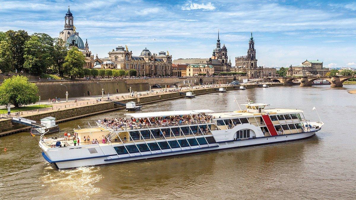 Bootsfahrt auf der Elbe