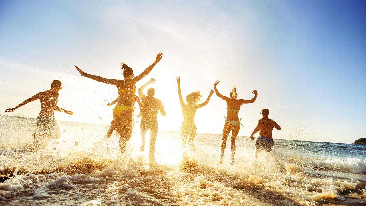 Jugendliche Strand Spielpause