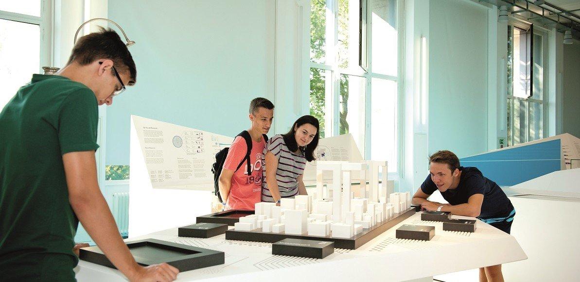 Studenten im Deutschen Museum in München