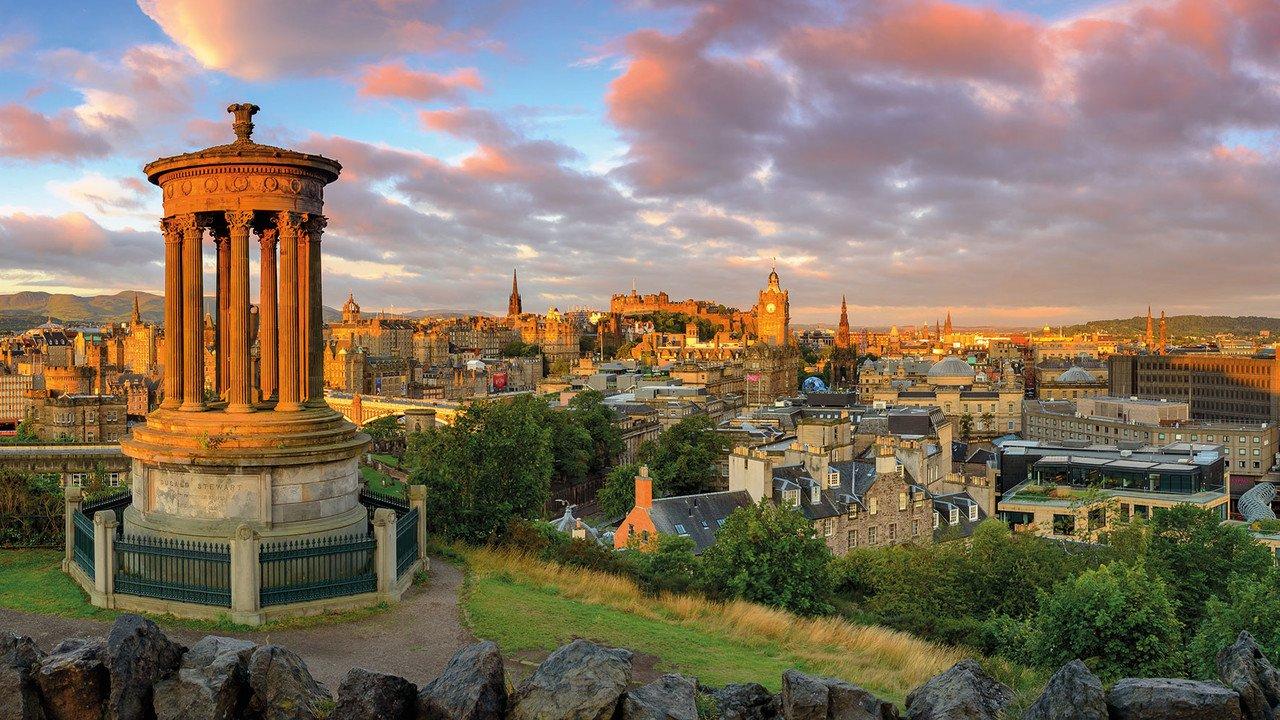 Edinburgh bei Sonnenuntergang