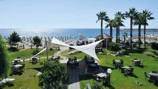 Aregai Marina Hotel & Residence