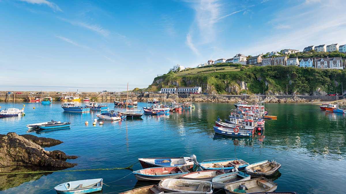 Hafen mit Booten in Mevagissey, Cornwall