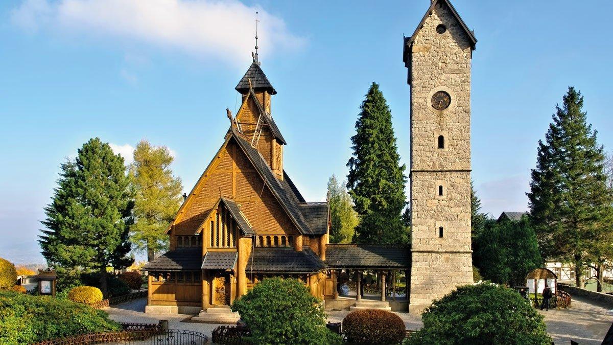 Ansicht der Stabkirche Wang