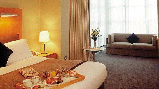 Holiday Inn Edinburgh★★★★