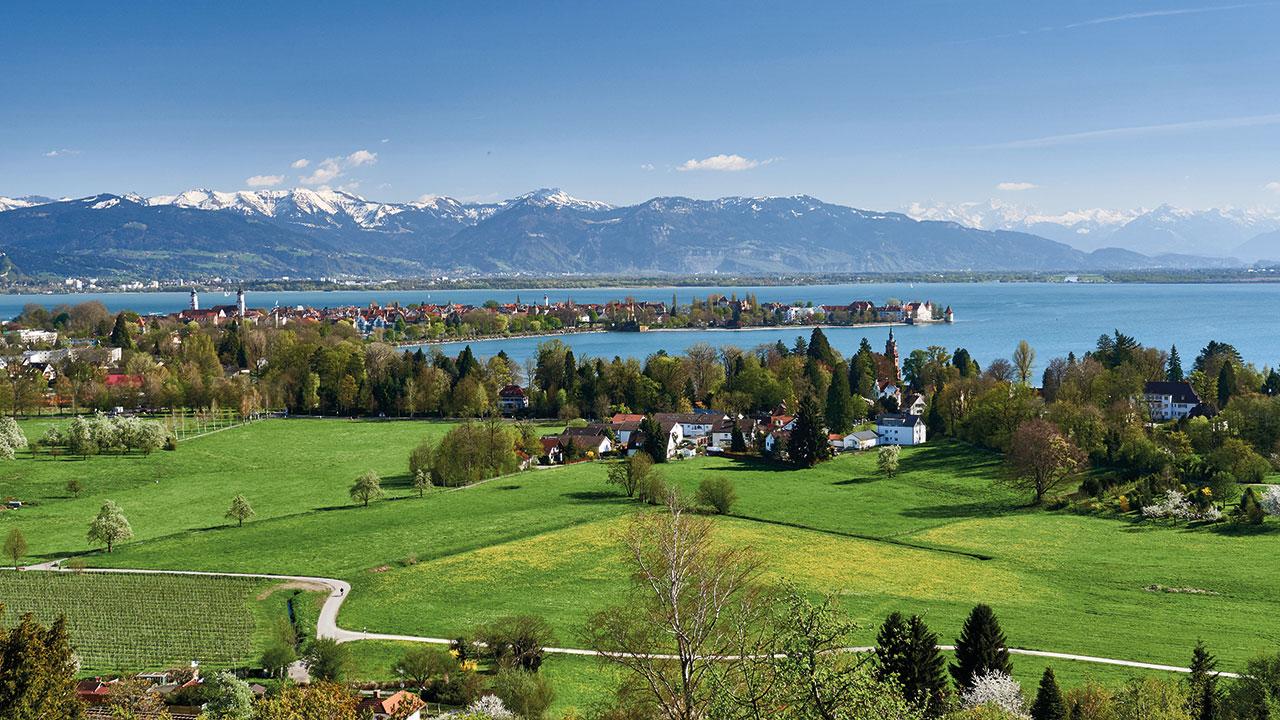 Blick auf die Halbinsel Lindau
