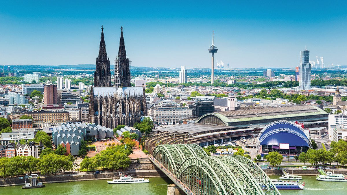 Luftaufnahme auf den Kölner Dom