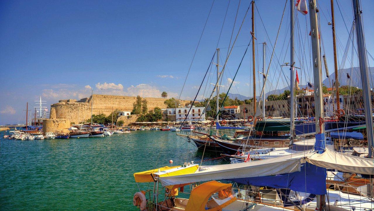 Boote im Hafen von Zypern