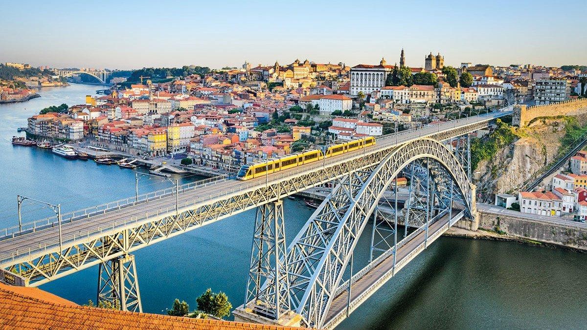 In Porto an der Dom Luiz Brücke